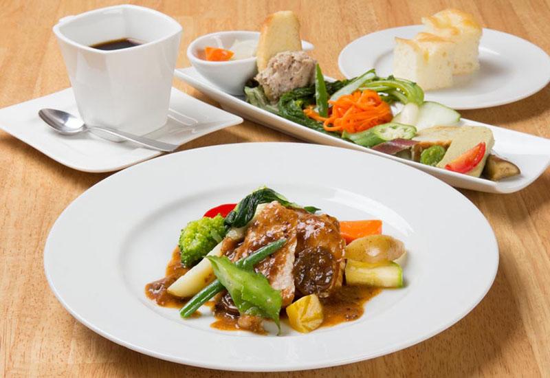 フレンチレストラン キッチン&カフェ エマーブル 「気まぐれランチ(写真:1500円)」