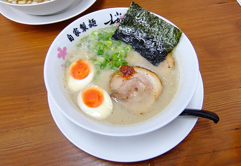 麺屋 桜息吹「味玉豚骨ラーメン(850円)」
